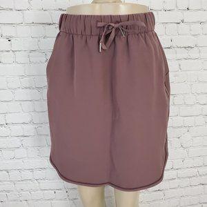 LULULEMON On the Fly Skirt Woven cherry cola 6